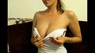 amateur big-tits boobs bus busty crazy homemade natural solo