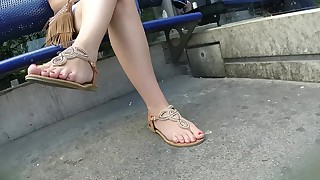 amateur babe cumshot feet foot-fetish handjob hot juicy milf